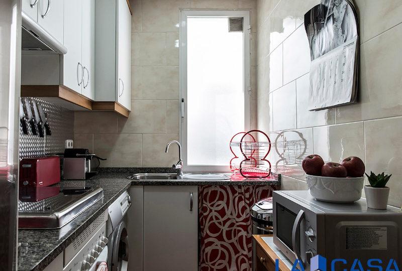 Estupendo piso en venta | Calle de Sebastián Elcano | Cocina | TuInmobiliaria24x7