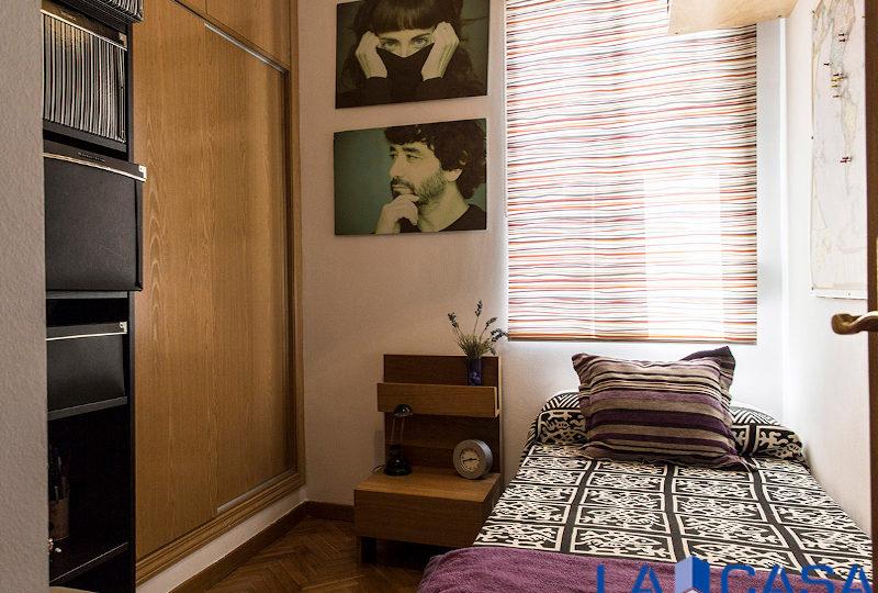 Estupendo piso en venta | Calle de Sebastián Elcano | Dormitorio | TuInmobiliaria24x7
