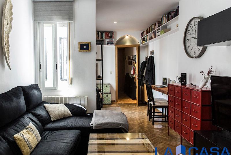 Estupendo piso en venta | Calle de Sebastián Elcano | Salón (ventana) | TuInmobiliaria24x7