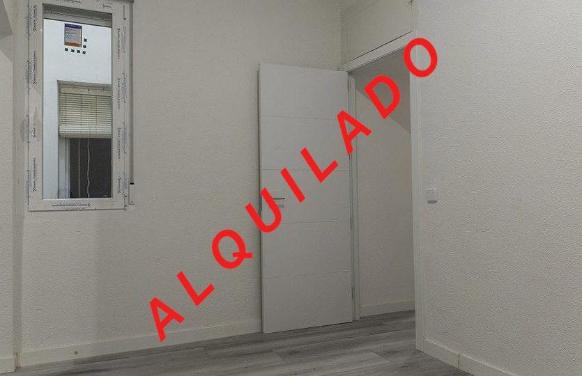 Piso alquiler | Calle Fe | Dormitorio | LCeL | Alquilado