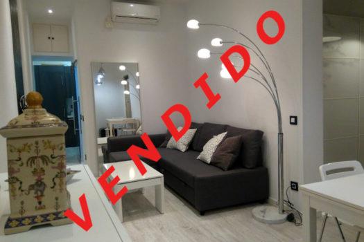 Piso en venta en la calle del Oso | Lavapiés - Embajadores | LCeL | Salón | VENDIDO