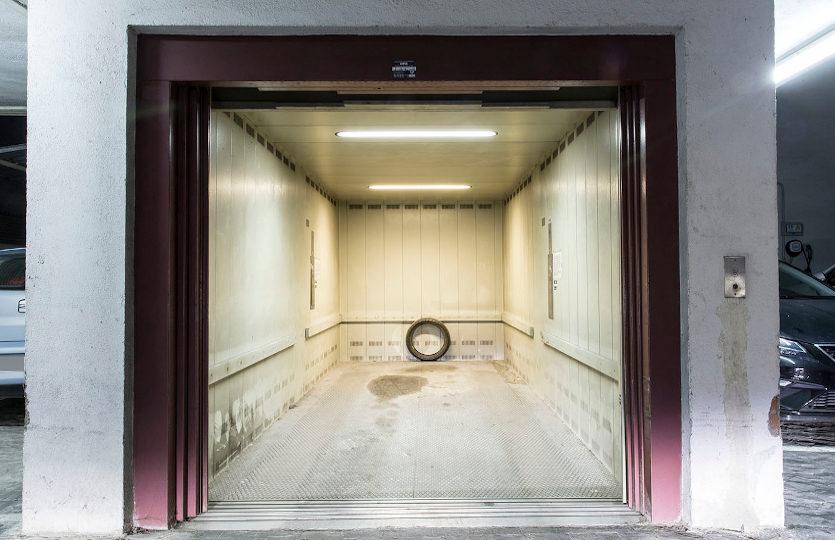 Garaje en venta en la calle de la Cabeza | Lavapiés - Embajadores | LCeL | Plaza cubierta