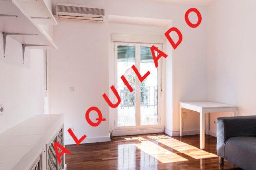Piso en alquiler en la calle Escuadra | Lavapiés - Embajadores | LCeL | Salón | ALQUILADO