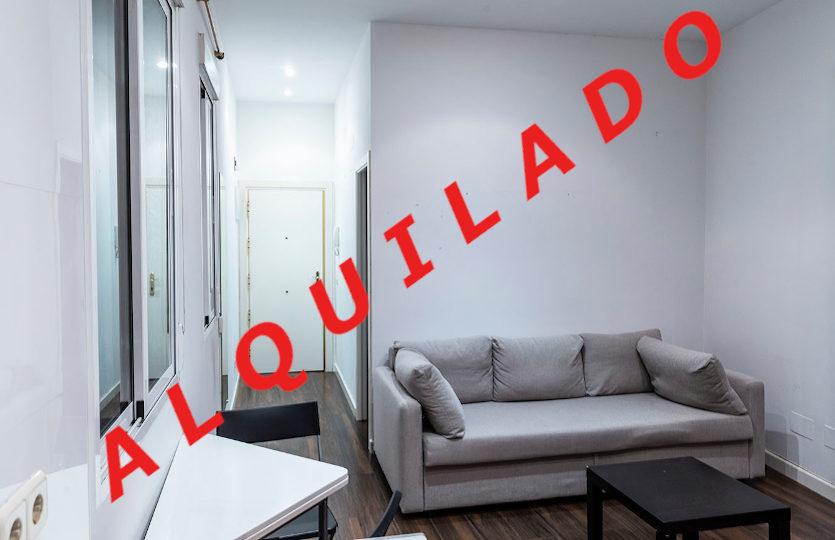 Piso en alquiler en la calle Almadén | Huertas - Centro | LCeL | Salón | ALQUILADO