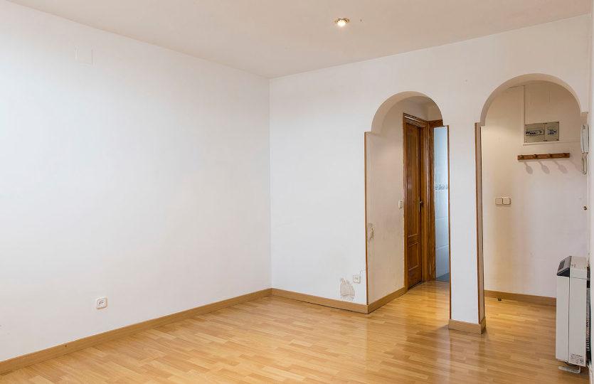 Estupendo piso en venta en calle Olivar | Lavapiés - Embajadores | LCeL | Salón
